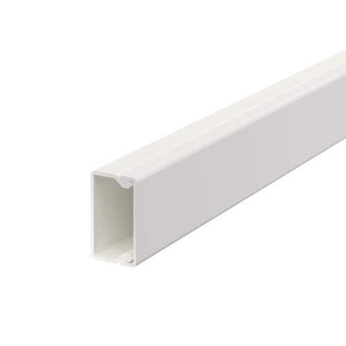 Karbik kaanega 15x30mm L=2000mm PVC polaarvalge, OBO